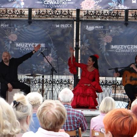 Muzyczne Czwartki na płockiej starówce - Flamenco Trio_5